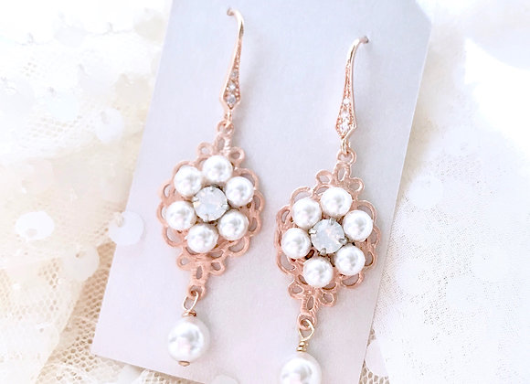 BLOSSOM: Pearl Floral Earrings