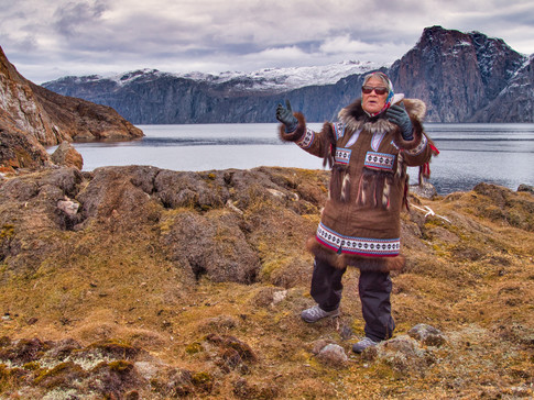 Susie Evyagotailak Explains a Thule Sod House (Tasiusaq, Greenland)