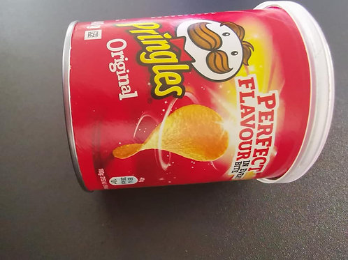 Ready salted pringles