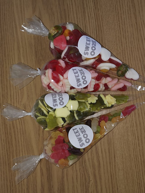 150g sweets of your choice cones