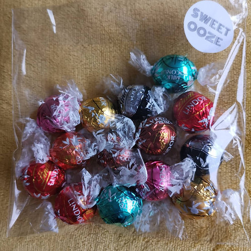 A variety of 14 Lindt Lindors