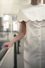 Madame est couturière créatrice de robes de mariée à Bordeaux robes sur mesure couture accessoires mariée mariage dentelle de Calais crepe de soie