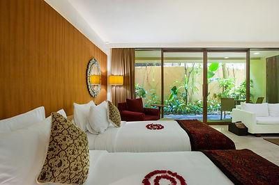 Komanka Twin Room.jpg