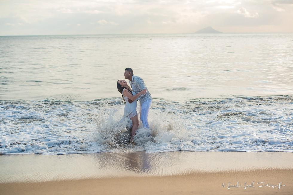 Ensaio casal Praia Toque Toque  Pequeno