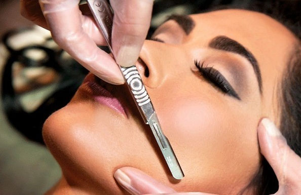 Dermaplaning  - includes kit
