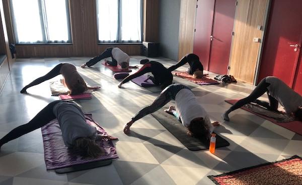 Hollandsche Rading - Groepsles Yoga Dorpshuis