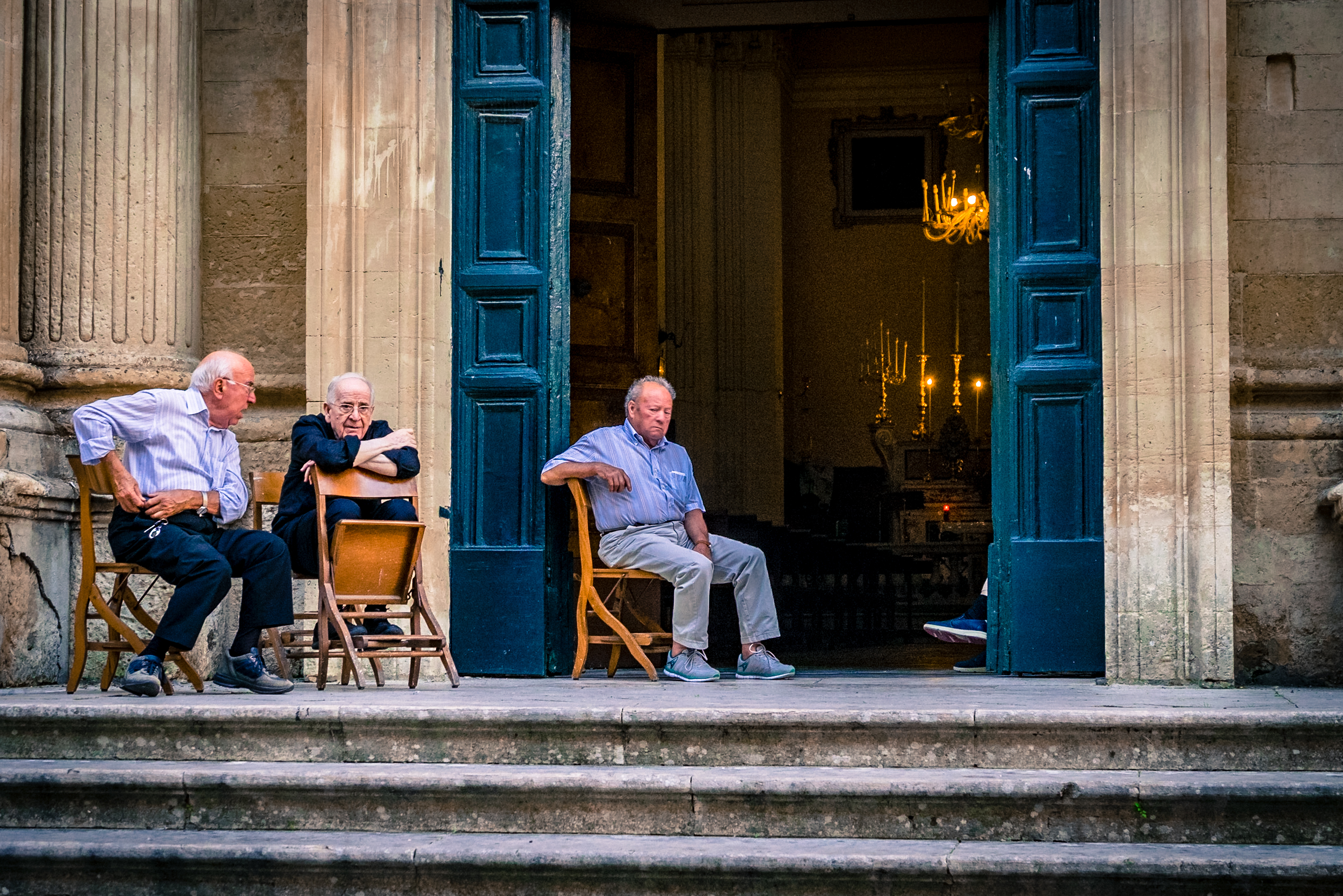 men-at-church-lecce-2016_38197978465_o