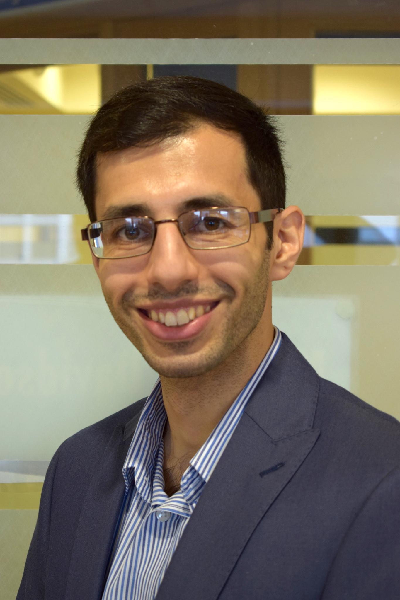 Dr Hussam Rostom