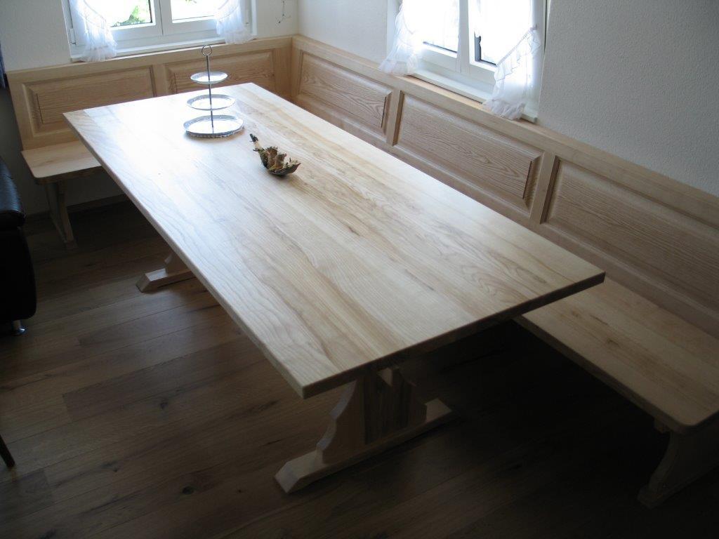 Tisch mit Eckbank