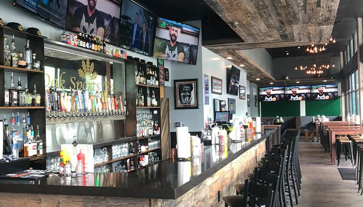 Oak Sports Bar and Grille: The Most Unfriendly Social Spot in South Austin