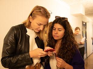 Portrait 3  - Agnès & Sarah - Adrià Cruz