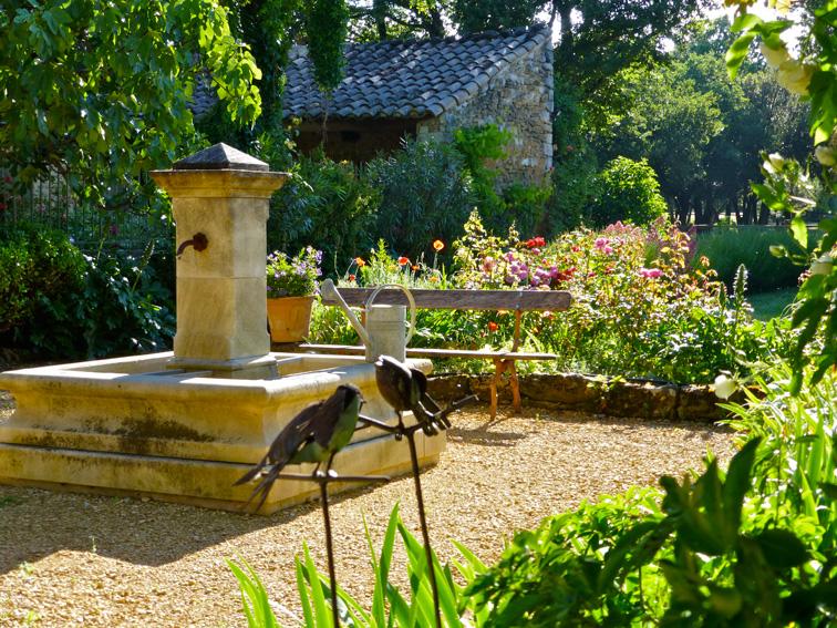 Le jardin sud et sa fontaine