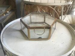 קופסא גאומטרי זהב