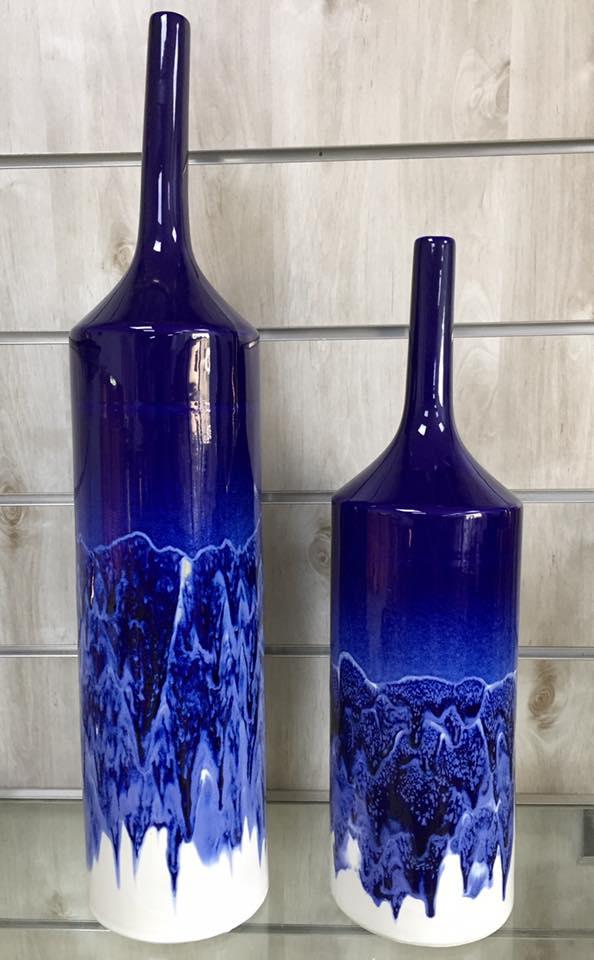 בקבוק כחול שני גדלים