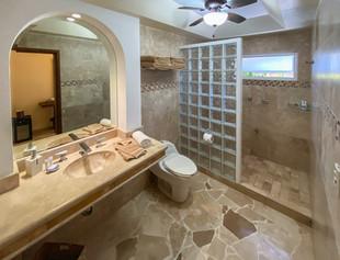 Jardin Bathroom