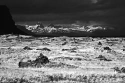 הצוק השחור The Black Cliff  2014