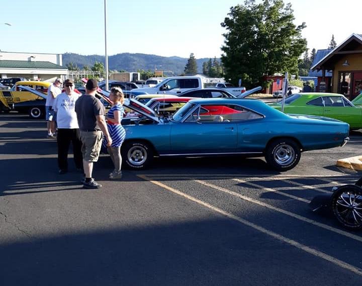 wyatt car show 10.jpg