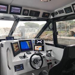 custom-marine-electronic-equipment-insta
