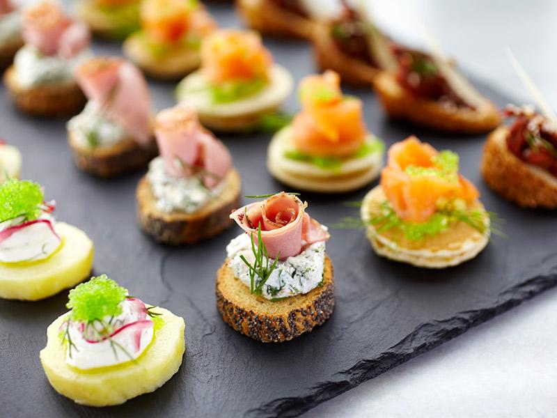 decoração de noivado; finger food para eventos pre casamento
