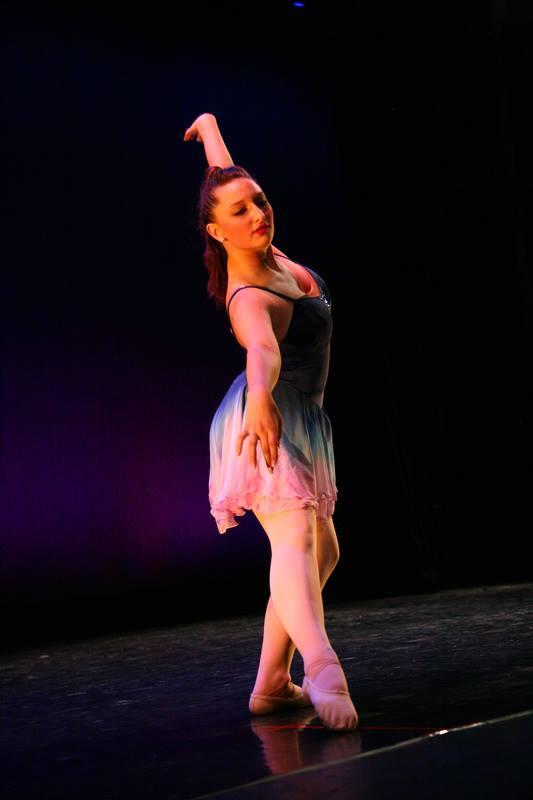 Ariana Dancing