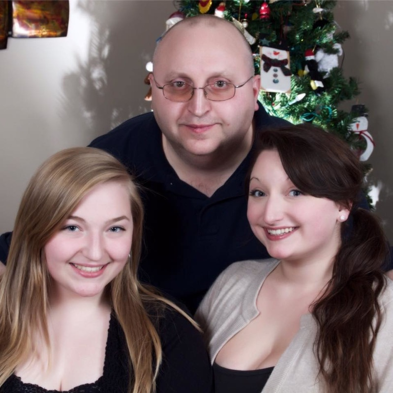 Ariana with her Sister & Father