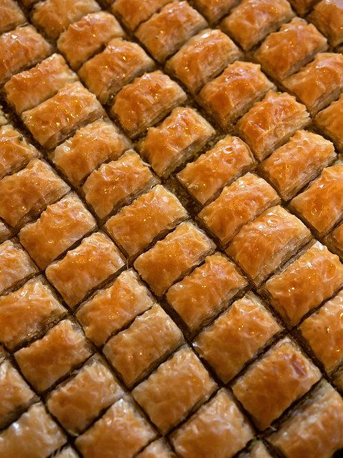 Baklava with walnuts (~2,5 lb tray)