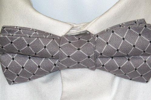 Gray Diamonds Bow Tie