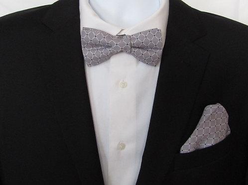 Gray Diamonds 2 Piece Bow Tie Set