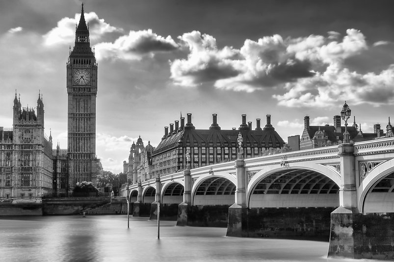 157-1574102_grayscale-photo-of-london-ci