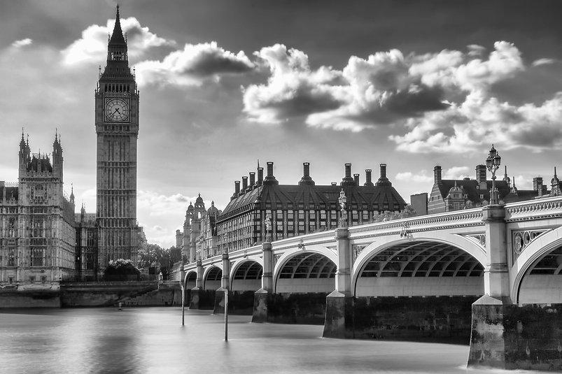 157-1574102_grayscale-photo-of-london-ci