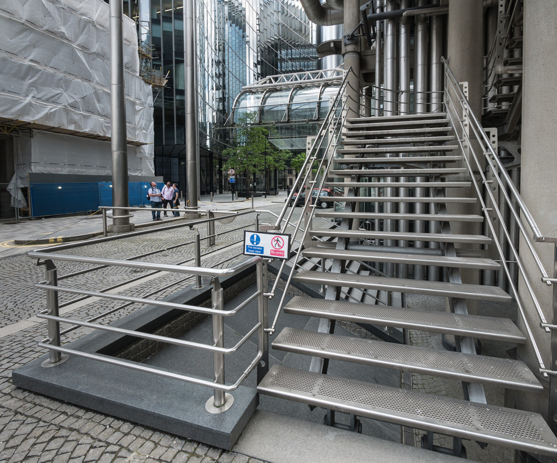 15 STAINLESS STEEL CITY by Roger Wates