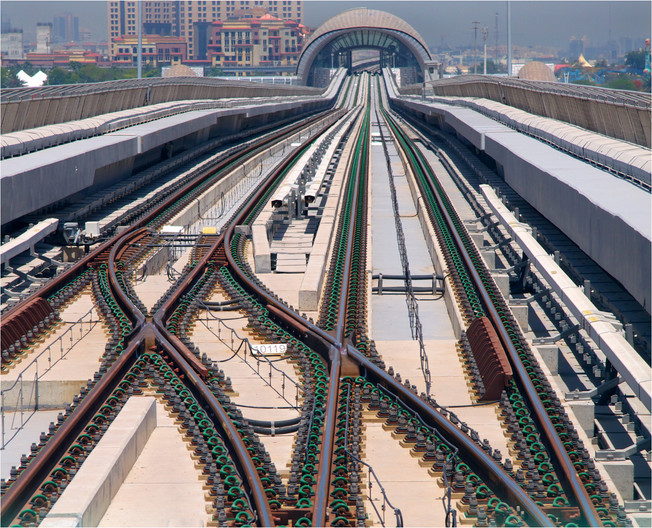 16 POINT STRUCTURE ON THE DUBAI METRO by Dave Brooker