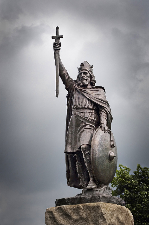 16 KING ALFRED STATUE,, WINCHESTER by Peter Tulloch