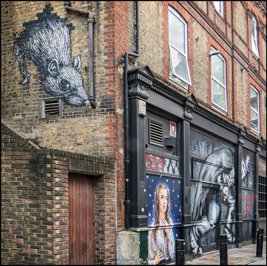 17 LONDON STREET ART by Jacky Bunyan