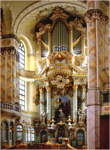 17 NAVE AND HIGH ALTAR, FRAUENKIRCHE, DRESDEN by Keith Evans