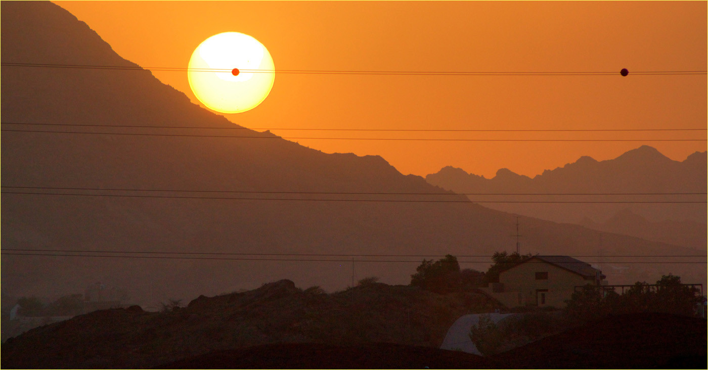 13 HATTA DUBAI SUNSPOT by Dave Brooker