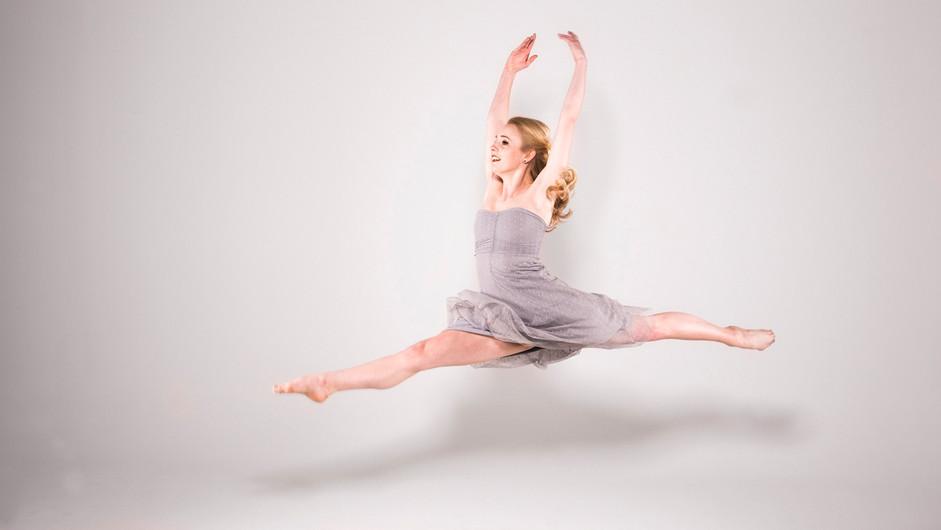 18 AMELIA DANCES by Alan Cork