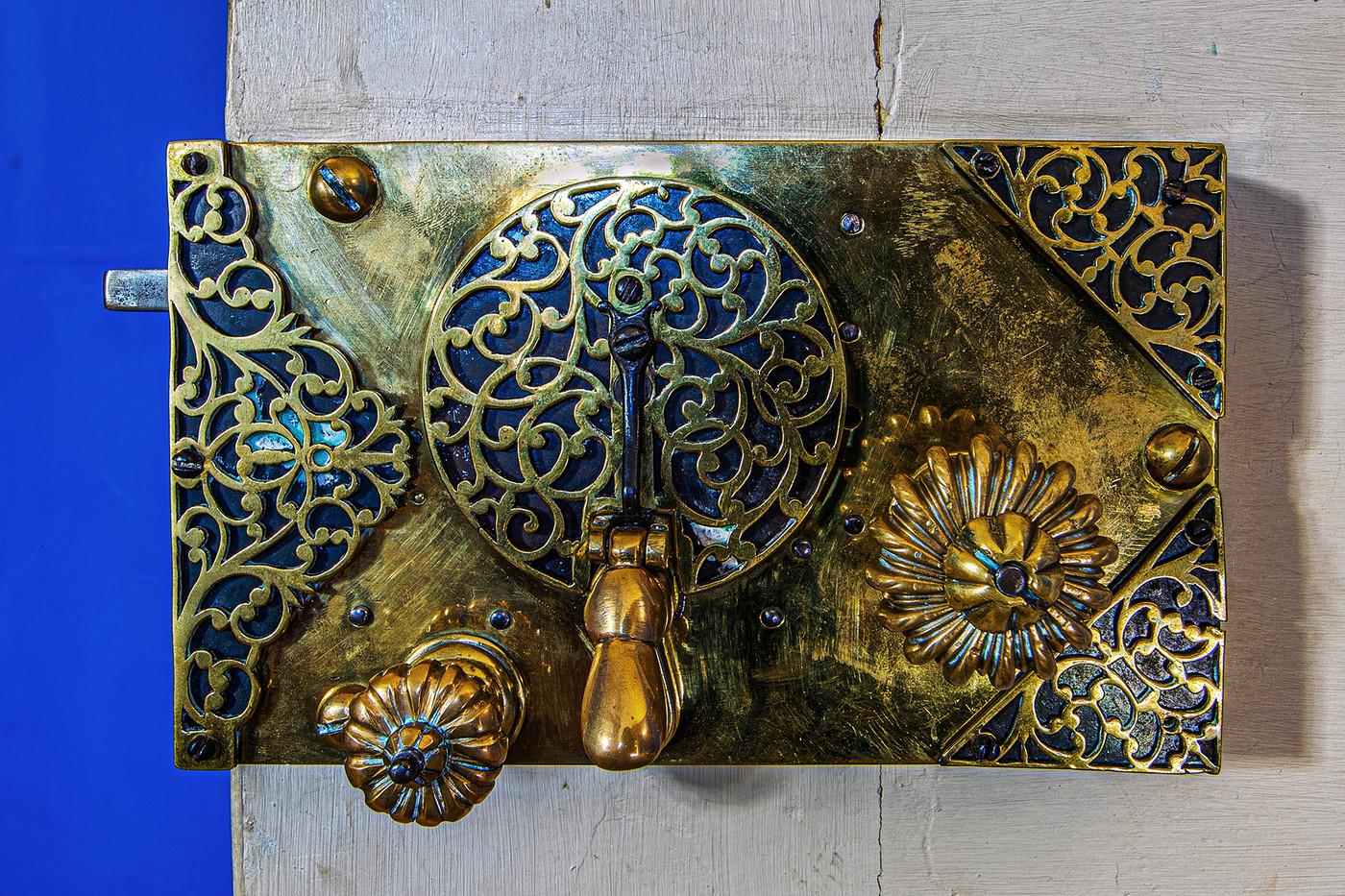 18 DOOR LOCK DETAIL BLUE BEDROOM STRAWBERRY HILL HOUSE by Philip Easom