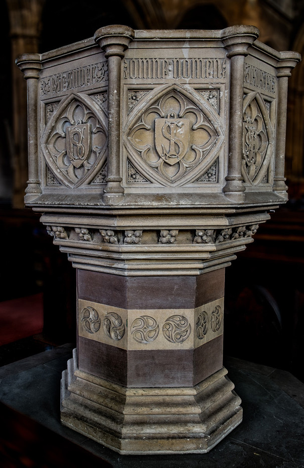 20 FONT - ST NICHOLAS - NEWBURY by Tony Hill