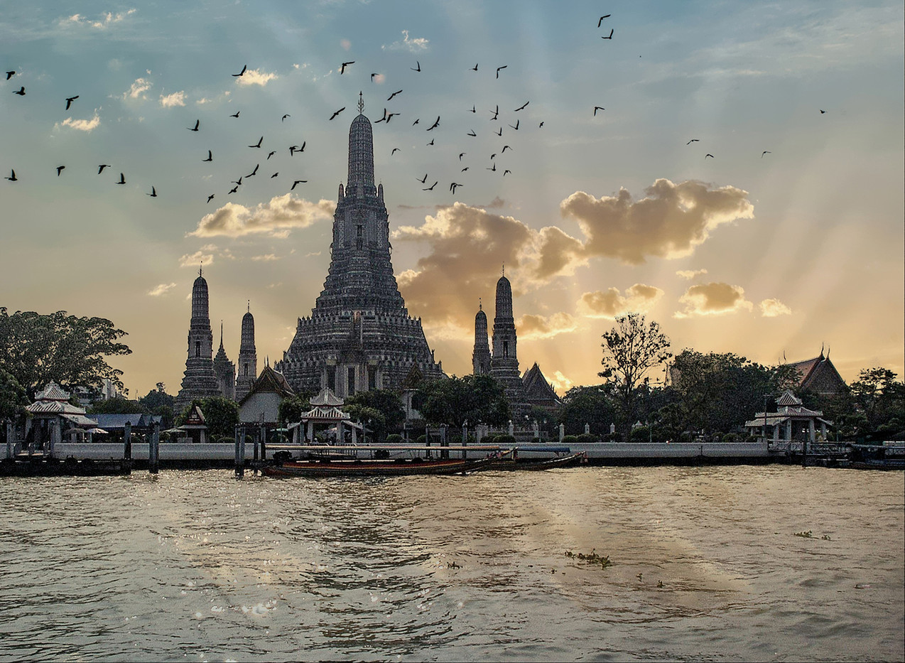 17 SUMMER  PALACE BANGKOK by Graham Bunyan