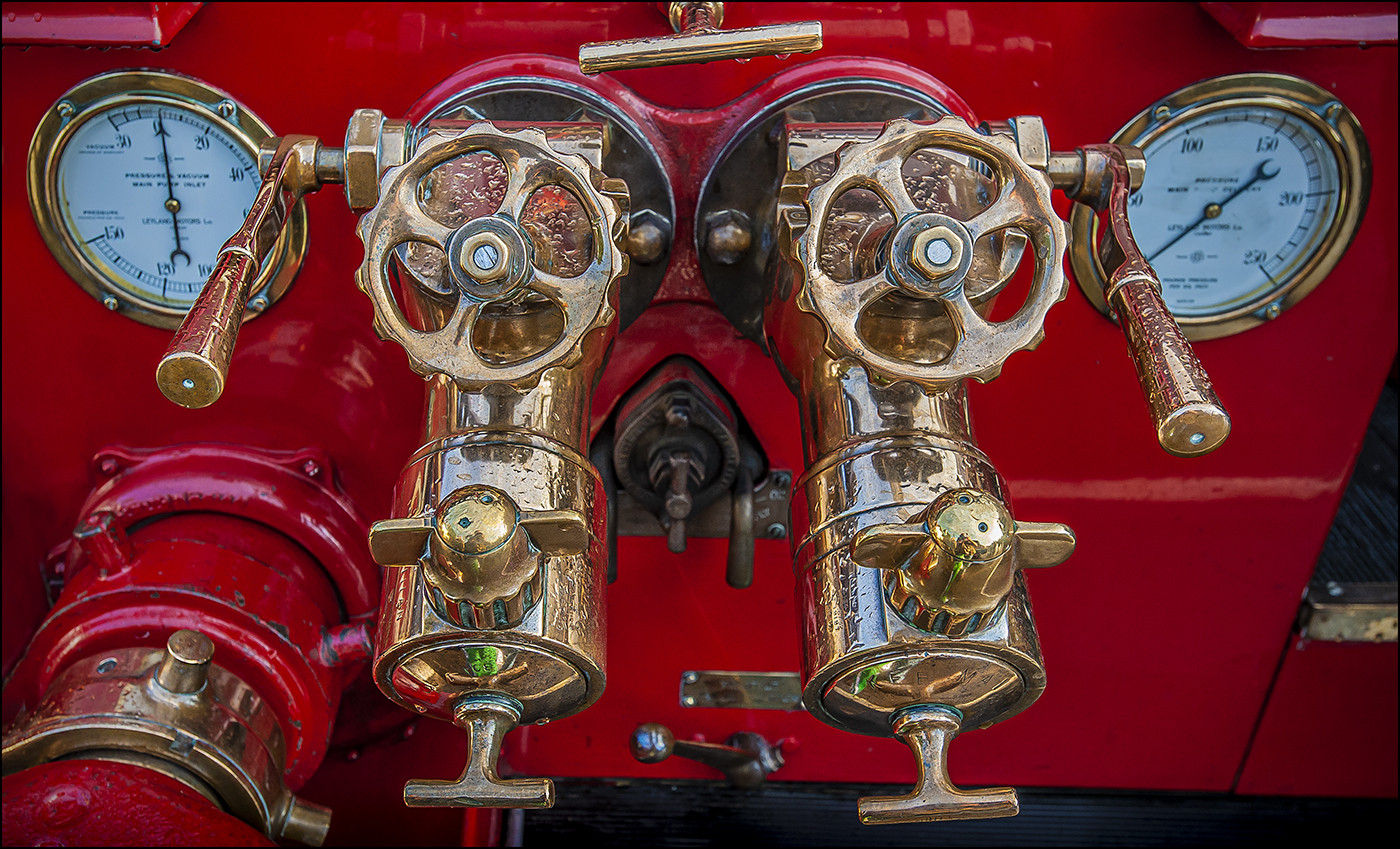 16 LEYLAND FIRE ENGINE PUMPS ca.1945 by Mick Dudley