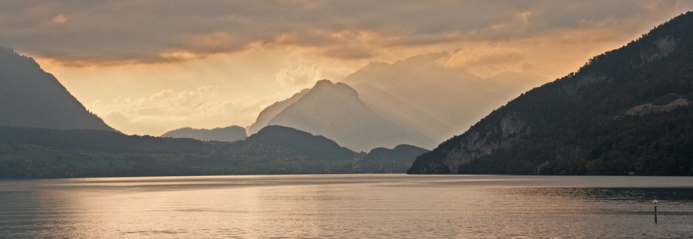 GROUP 2 18 SUNSET OVER LAKE THUN by Clive Brewer