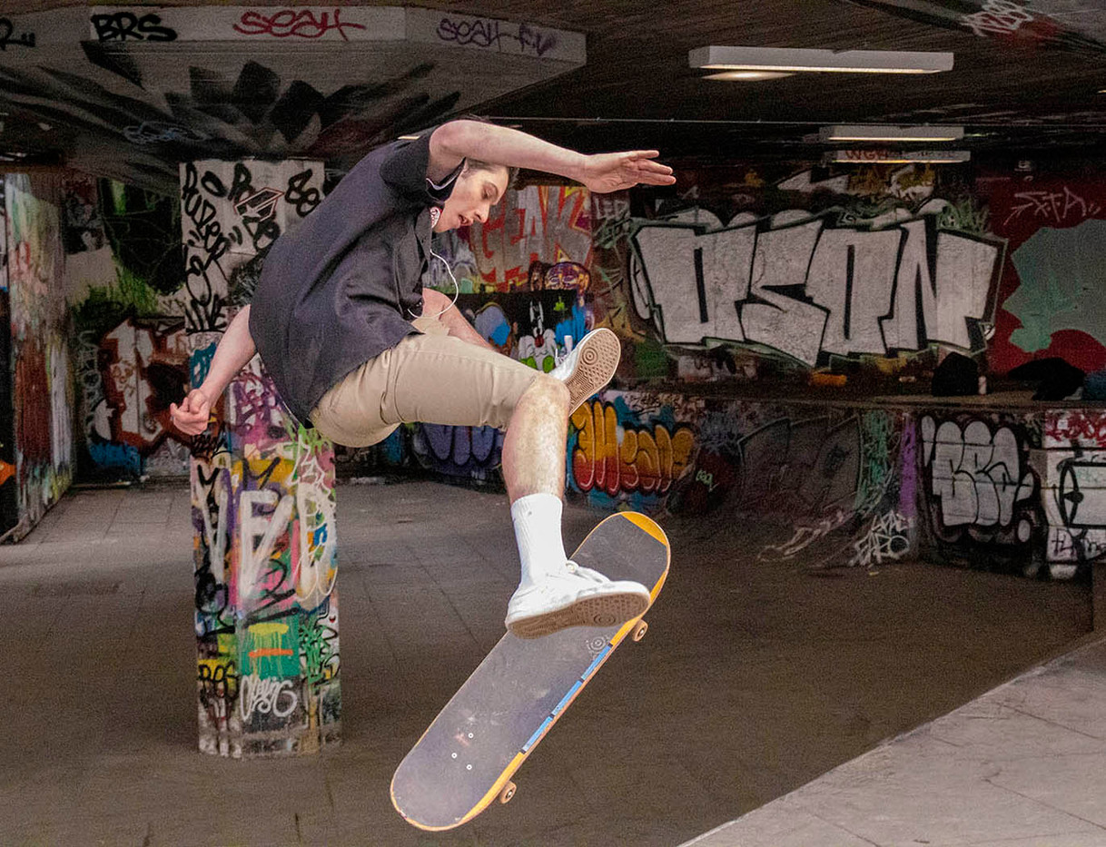 16 SKATEBOARDER 'GETTING AIR' by Penny Skoyles