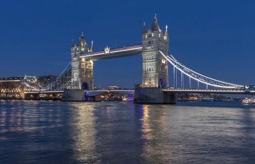 TOWER BRIDGE by Philip Smithies