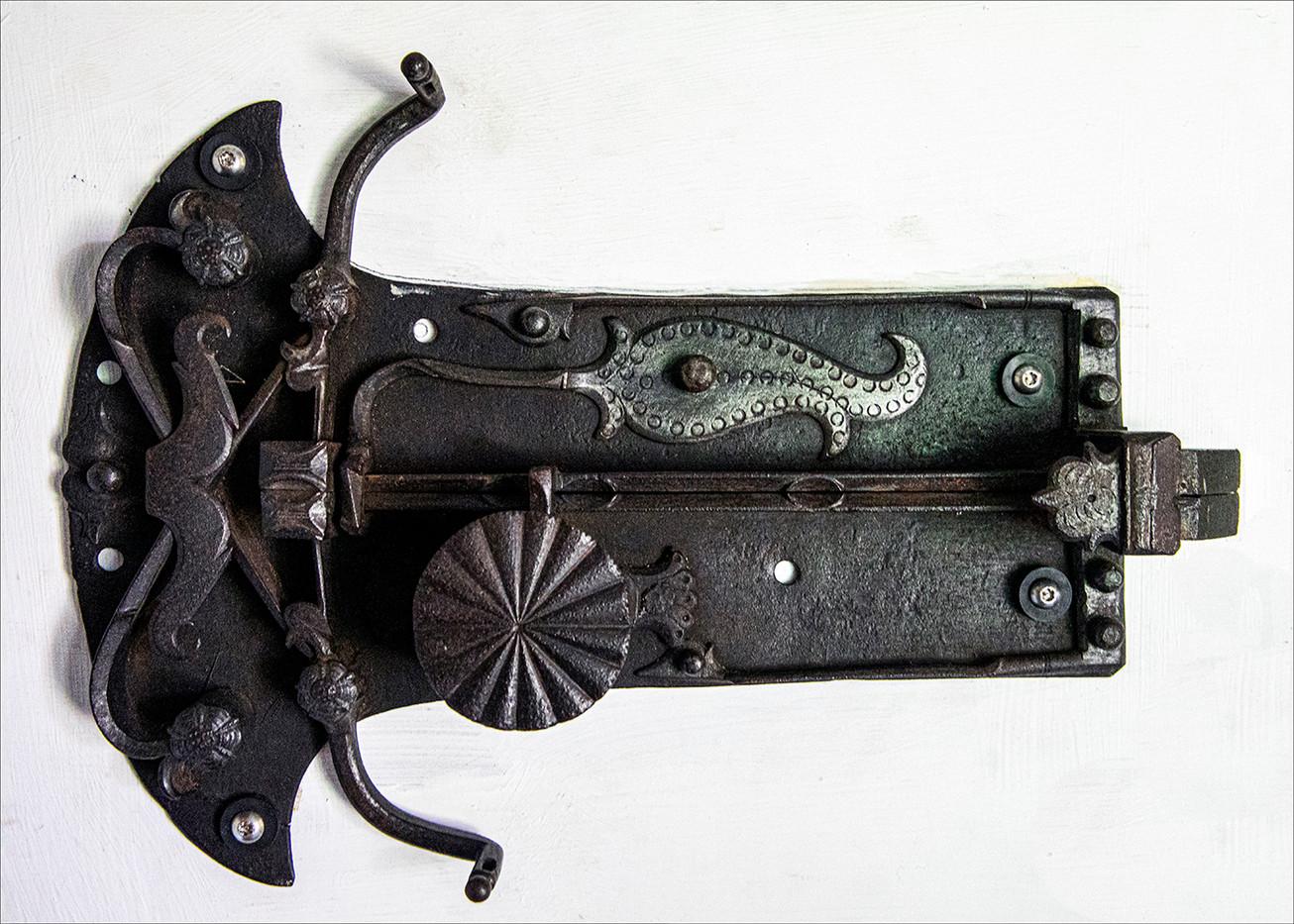 18 TUDOR LOCK DETAIL by Philip Easom
