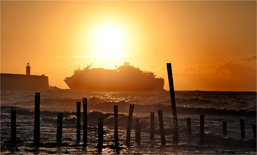 19 NEWHAVEN FERRY SUNRISE by Dave Brooker