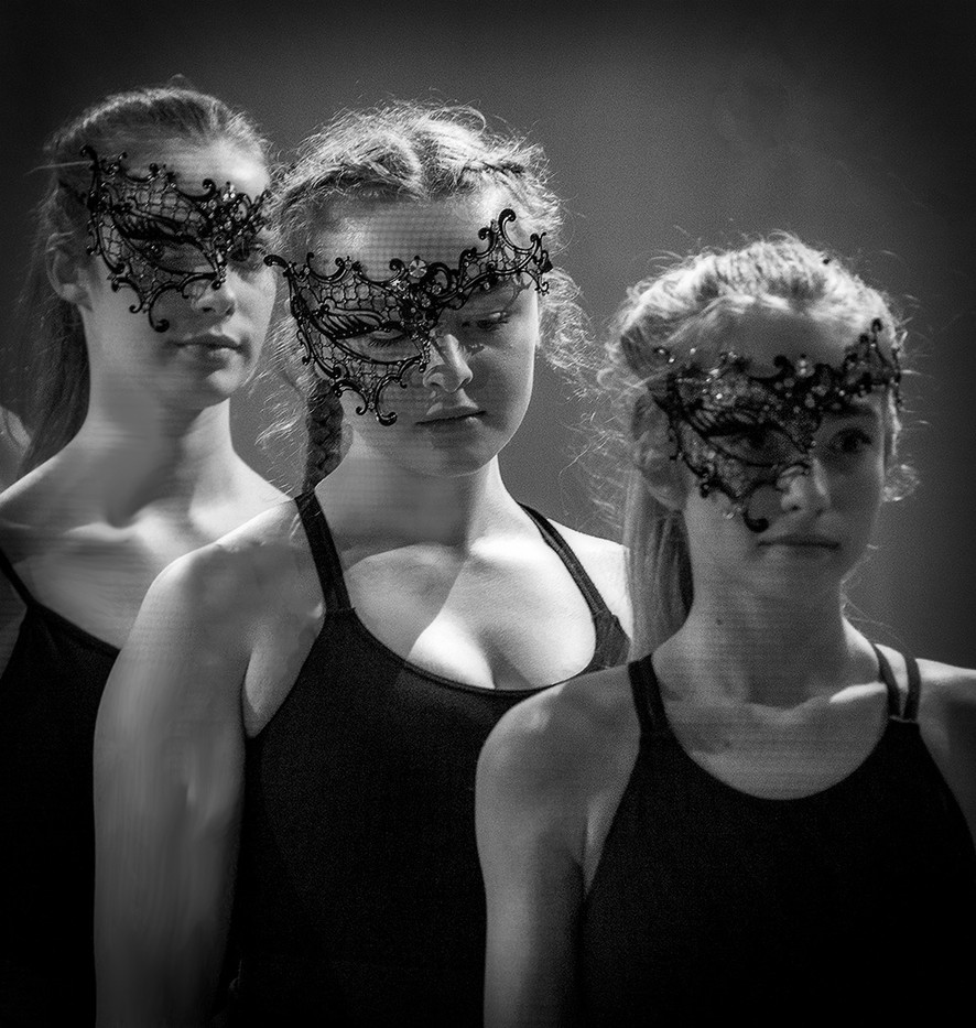 16 THREE GRACES by Denys Clarke