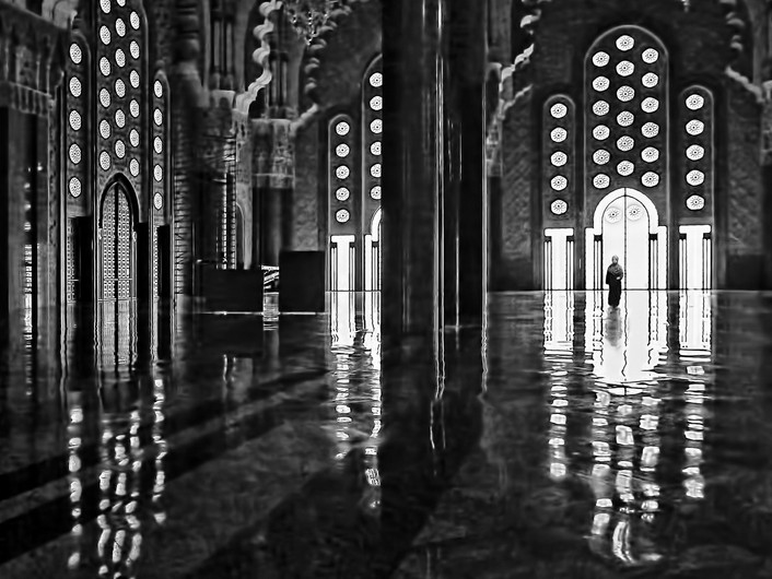 16 ENTERING THE MOSQUE by Pam Sherren
