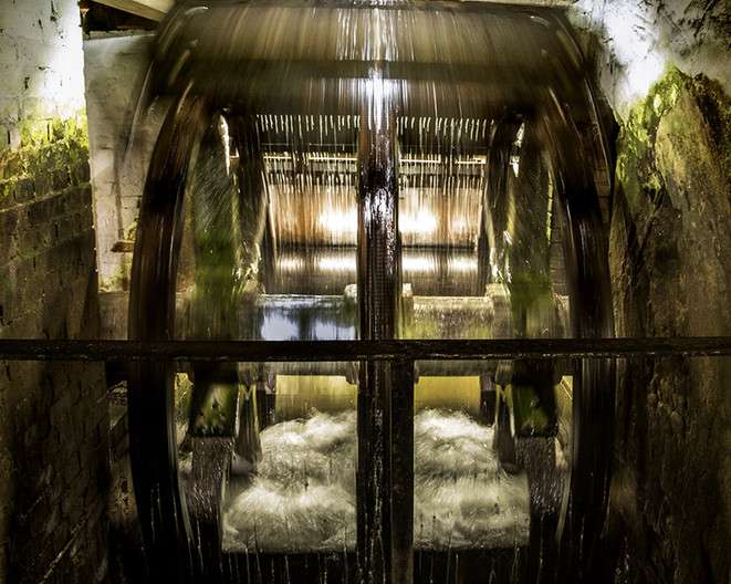 17 WINCHESTER CITY WATERMILL by Philip Easom