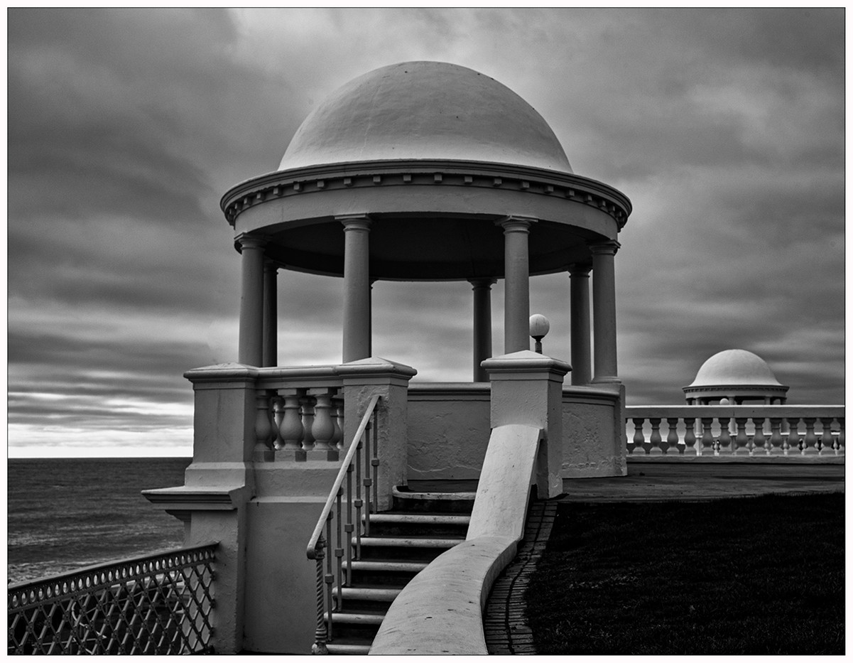 17 (PRINT) BEXHILL ROTUNDA by Steve Oakes
